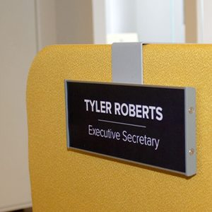 Cubicle signs made easy by Vista